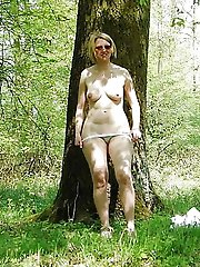 Voluptuous mature mademoiselles posing fully naked on cam