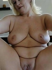 Older milfs exposing their hot body on pictures