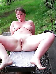 Raunchy old woman playing with her vagina