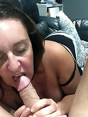 Aged housewives spreading their lips on cam