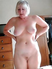 Slim mom gets ready for sex