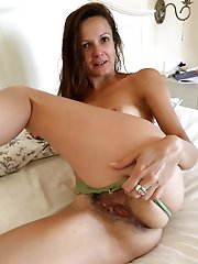 Hottest mature housewife get undressed for you