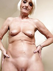 Lovely older moms with unshaved twat