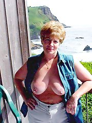 German mature housewives are getting undressed on camera