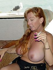 Mature lady in her solo play