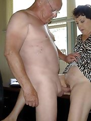 Mature girl baring it all on camera
