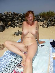 Sensual older mommies showing their hot body