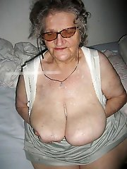 Mature tart posing totally naked on pics