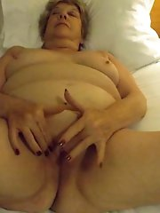 Gorgeous old slut in her solo play