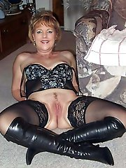 Cougar playing with her twat