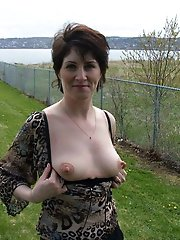 Seductive aged MILF get naked for you
