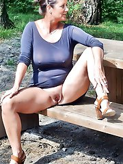 Hottest experienced mom posing naked