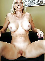 Randy mature female in a sex gallery